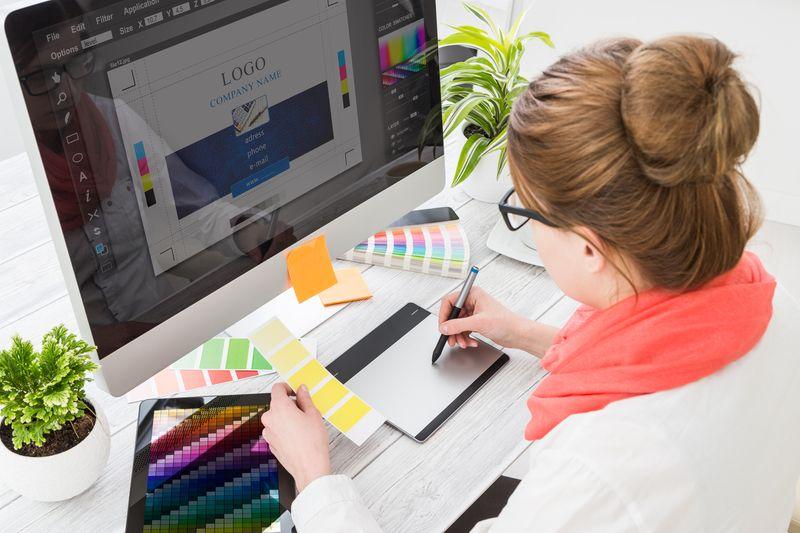 Cómo lanzar tu empresa o sitio web con la creación de un logo gratis para empresas
